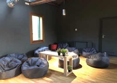 Area relax ma anche area lavoro.. in modo alternativo